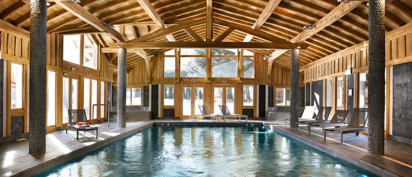 france_chamonix_hameau-de-la-pierre-blanche-apartments-(les-houches)_heated-indoor-pool.jpg